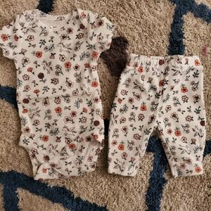 • Carters • Preemie outfit